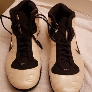 Nike Shoes - Mens Nike size 16 new shoes without tags